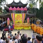 Cho thuê xe 16 chỗ đi chùa Hương