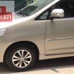 Thuê xe Innova đi sân bay