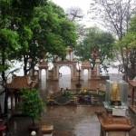 Thuê xe 16 chỗ đi đền ông Hoàng Mười- Nghệ An