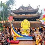 Thuê xe 7 chỗ đi chùa Hương